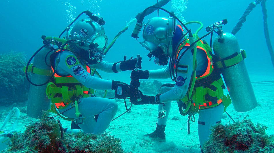 underwater divers